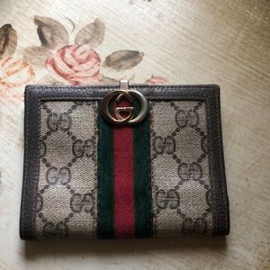 Vintage Gucci Wallet Offers welcome